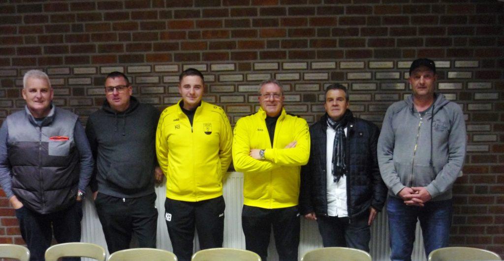 von links: Uwe Bonnes (Fussballobmann Senioren), Michael Booms, Kevin Boland, Uwe Becker, Jürgen Boland und Rolf Lackermann (1. Vorsitzender)